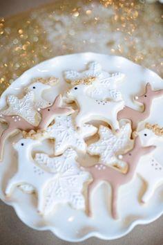 ☆ White Christmas Wonderland ☆  reindeer + snowflake cookies
