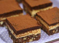 Csak a saját felelősségedre süsd meg, mert hamar a rabja lehetsz! Homemade Cake Recipes, Cookie Recipes, Dessert Recipes, Nutella Mug Cake, Mug Cake Microwave, Hungarian Recipes, Hungarian Food, Four, No Bake Cake