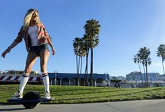 Onewheel Is A Self-Balancing, Electric Skateboard With Only One Wheel