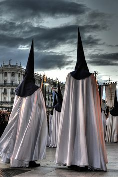 1000 images about semana santa on pinterest holy week for Alquiler de apartamentos en sevilla para semana santa