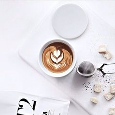 Great ways to make authentic Italian coffee and understand the Italian culture of espresso cappuccino and more! Coffee And Books, I Love Coffee, Coffee Art, Coffee Break, My Coffee, Morning Coffee, Coffee Shop, Coffee Cups, Coffee Drawing