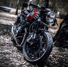 1978 Kawasaki KZ650 Cafe Racer by Ruffo Black Customs #motorcycles #caferacer #motos | caferacerpasion.com