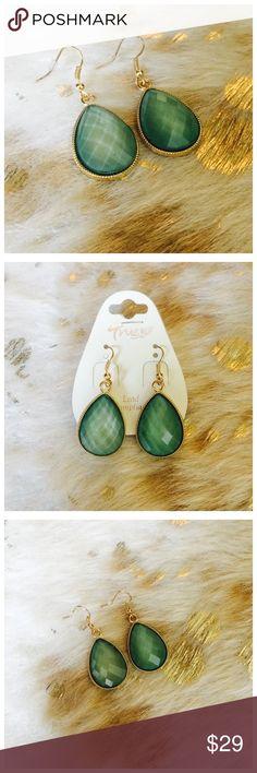 🌊 Aquamarine Earrings  🌊 Lightweight and pretty dangle earrings! Backings included! Jewelry Earrings