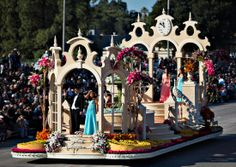 Cit of Downey's float entry for the 2014 Rose Parade.