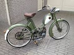 Afbeeldingsresultaat voor mobylette kaptein Cycling, Vehicles, Classic Motorcycle, Mopeds, Vintage, Board, Old Bikes, Biking, Bicycling
