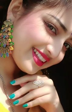 Beautiful Girl In India, Beautiful Asian Girls, Beautiful Bollywood Actress, Most Beautiful Indian Actress, Cute Girl Face, Stylish Girls Photos, Beautiful Girl Image, Beautiful Women, Beauty Full Girl