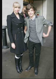 """""""Taylor Swift and Harry Styles got back together."""" Lol this made laugh so hard!;)"""