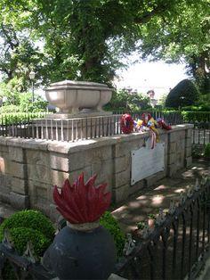 Tumba de Sir John Moore, jardín de San Carlos, Lacoruña.