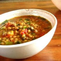 This is an alkalising soup with arabic flavours like cumin and coriander and vegetables like carrots, celery and onions.