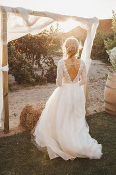 Wedding dress // Rustic wedding in Portugal // Helena Tomas Photography