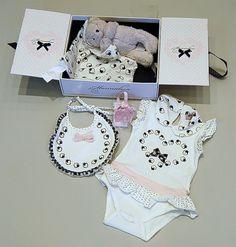 Monnalisa baby gift set in a cute little box :)