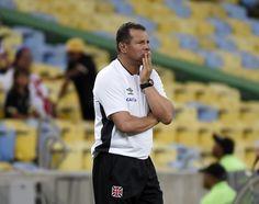 Celso Roth não resiste a mais um insucesso e é demitido do Vasco #globoesporte