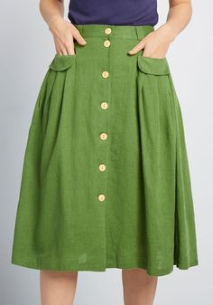This green midi skirt from our ModCloth namesake label is an easy pairing for feminine blouses, retro graphic tees, and just about any other separate. Black Midi Skirt, Pleated Skirt, High Waisted Skirt, Pantalon Bleu Marine, Mode Simple, Mein Style, Mode Chic, Vintage Pants, Black Girl Fashion