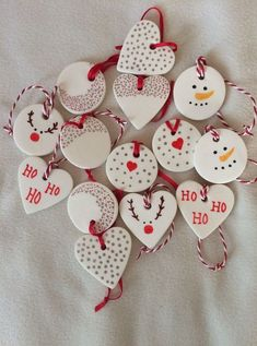 The post Baking soda clay decorations. appeared first on Salzteig Rezepte. The post Baking soda clay decorations. 2019 appeared first on Clay ideas. Snowman Christmas Ornaments, Homemade Christmas Decorations, Christmas Clay, Clay Ornaments, Christmas Projects, Handmade Christmas, Holiday Crafts, Christmas Holidays, Christmas Tree