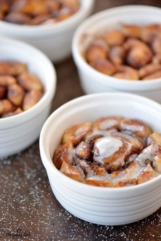These Bloomin' Cinnamon Rolls are full of ooey, gooey caramel goodness. Make this blooming cinnamon roll monkey bread like recipe for breakfast or dessert.