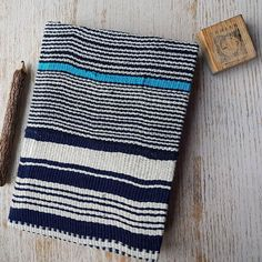 Most of our diaries are one-of-a-kind like this index diary covered with a unique combination of handwoven strips from tge Dan people in Western Ivory Coast... #indigo #indigoshibori #tissuafricain#pagnetisse#africa #afrique#anthropologie#ideedeco #Shibori#handwoven#africanfabric#africantextile #bloggers#blueisthenewblack#ivorycoast #2018planner #2018 #christmasgift #christmas #yearplanner #beorganised