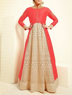Indian Wedding Styles is a best online shop to Buy Best Bollywood Sarees Online India from Designers and Buy Best Designer Sarees online India. Designer Salwar Suits, Designer Anarkali, Designer Sarees Online, Designer Dresses, Asian Wedding Dress, Indian Wedding Outfits, Indian Outfits, Indian Clothes, Muslim Fashion