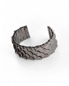 7fe361c3e4c jewelmint black swan cuff 2 Queens Jewels