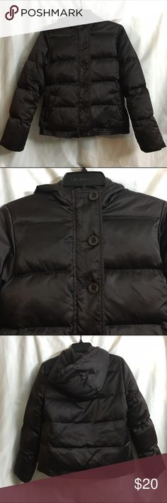 Brown Old Navy Puffer Coat This chocolate brown  fleece lined down coat is in good condition. There are some fuzzies in the inside lining and the bottom band is a little stretched out. Very warm and cozy. Old Navy Jackets & Coats Puffers