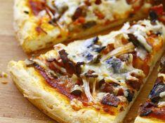 Découvrez notre recette facile et rapide de Pizza sans gluten sur Cuisine Actuelle ! Retrouvez les étapes de préparation, des astuces et conseils pour un plat réussi.