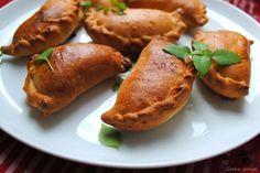 Gocha gotuje!: Pierogi drożdżowe z cieciorką, suszonymi pomidorami i serem camembert