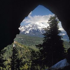 Triangulation Peak hike to the opening of Boca Cave with Mt. Jefferson in full view. #ORoutdoors