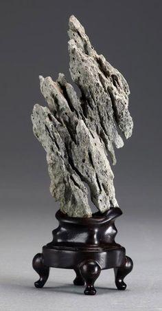 mounted-scholar-rock-417x799