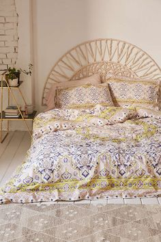 Plum & Bow Anza Tiled Duvet Cover (a.k.a my dream bedding) - Urban Outfitters