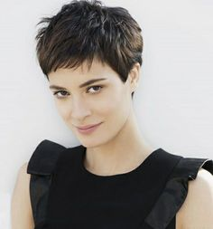 Color de cabello negro natural – From Parts Unknown Light Hair, Dark Hair, Textured Pixie Cut, Natural Black Hair Color, Color Black, Haircut For Thick Hair, Haircut Short, Short Bangs, Short Pixie