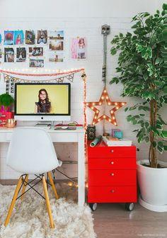 12-decor-mesa-trabalho-home-office-escritorio-gaveteiro-vermelho-tijolinho