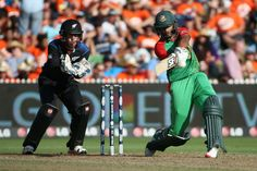 Sabbir Rahman hits out on his way to 40 from 23 balls, New Zealand v Bangladesh, World Cup 2015, Group A, Hamilton, March 13, 2015