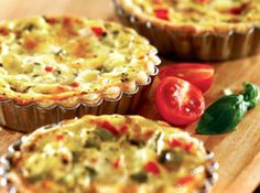 Spinach Bacon & Roasted Red Pepper Mini Quiche -want to try this, but chop the spinach real fine, use real eggs, and make dough.