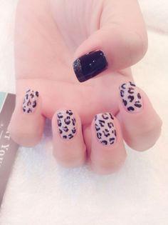 Nail Design at Treat Your Nails, Atlanta Newest Luxury Nail Salon #Atlanta #manicure #nailsalon
