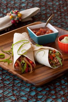 #Epicure Bean Burritos #meatless #vegetarian Lunch Box Recipes, Quick Dinner Recipes, Easy Healthy Recipes, Easy Meals, Healthy Meals, Epicure Recipes, Vegan Recipes, Bean Burritos, Vegetarian Menu