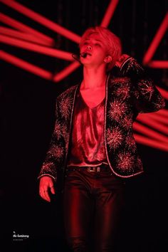 Someone save me from this man i love #JIMIN ❤