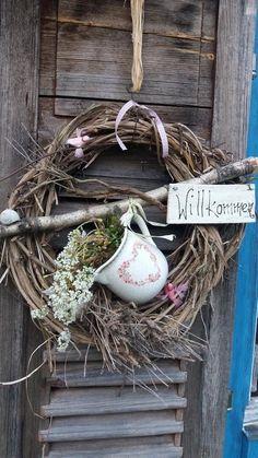 Garden Bulbs, Planting Bulbs, Planting Succulents, Succulent Plants, Door Wreaths, Grapevine Wreath, Dulux Valentine, Fleurs Diy, Eucalyptus Wreath