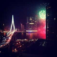 """@nickimertens's photo: """"What a #view #rotterdam #fireworks #erasmusbrug #netherlands #bynight #weekend #wereldhavendagen"""""""