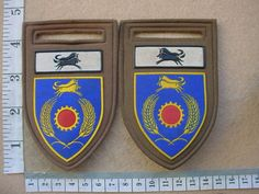 Image from http://www.samilitaria.com/SAM/Trade%20Scans/Badges/South%20Africa/S.A.Army%20Flashes/F783%20&%20784a.JPG.
