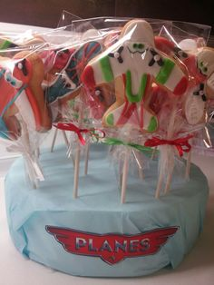 Disney planes cookies 6th Birthday Parties, 4th Birthday, Birthday Ideas, Cake Decorating Supplies, Cookie Decorating, Disney Planes Cake, Airplane Cookies, Planes Birthday, Airplane Party