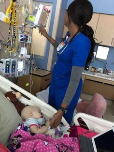 Nurse Discover Nurse Tries To Be Sneaky Mom Snaps Photo Letting Everyone Know She Saw Her Shelby Skiles was stunned by how her daughter was treated as the toddler fought for her life. The nurse tried to go unnoticed. Medical Students, Medical School, Nursing Students, Nursing Schools, Medical Humor, Radiology Humor, Nursing School Humor, Medical Careers, Nursing Goals