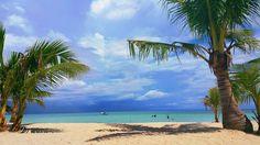 Bantayan Island Cebu. #beaches #travelcebu #cebubeaches #bantayanisland #sugarbeach #cebu #experiencecebu #iluvcebu #igtravel #nature #naturephoto #note4photography #summer #coconuts #bluesky #paradise