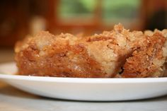 Here is a simple recipe for making delicious homemade apple crumble squares from scratch at the cabin. This is a great dessert idea to finish off a weekend meal at the cottage. Apple Square, Cottage Meals, Butterscotch Pudding, Crumble Topping, Great Desserts, Easy Meals, Easy Recipes, Cooking Time, Tasty