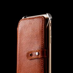 Lucidream-eXo-and-Wallet-Designed-and-Photo-by-Ramak-Radmard