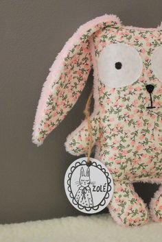 Doudou FIRMIN liberty rose by Zolé zolee.canalblog.com Diy Plush Toys, Liberty Of London, Cute Dolls, Softies, Handmade Toys, Dinosaur Stuffed Animal, Creations, Liberty Rose, Sewing
