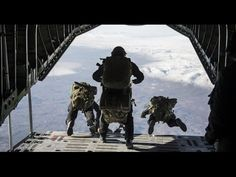 Turkish Special Forces - #Special #Forces #Command #ÖKK aka #Bordo Bereliler conducts #HALO #HAHO #Jump Turkish Soldiers, Turkish Army, The Turk, Swat, Special Forces, Stunts, Halo, Camel, Police
