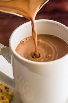 This Hot Chocolate for One recipe is just three simple ingredients. It's quick, easy, and delicious, perfect for those times when you need some hot chocolate NOW. Chocolate Cafe, Hot Chocolate Cookies, Hot Chocolate Mix, Hot Chocolate Recipes, Homemade Hot Chocolate, Single Serving Hot Chocolate Recipe, Hot Cocoa Recipe, Chocolate Dipped, Holiday Cookie Recipes