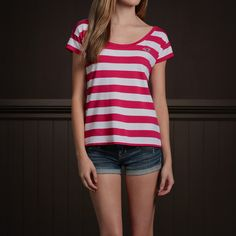 Hollister Co. - Pearl Street Tee and jean shorts Hollister Looks, Hollister Clothes, Hollister Outfit, Pretty Outfits, Cool Outfits, Summer Outfits, Tween Fashion, Fashion 2014, Love Clothing