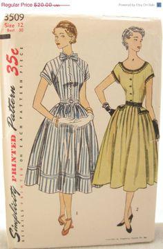 1951 Simplicity 3509 Button Front Dress - /belnfernandezal/retro/    over 2,000  BACK