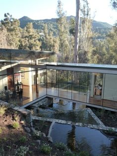 Living marriage between clean modern and organic flows.   Schmidt Arquitectos Asociados   Santiago, Chile