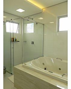 Detalhe rebaixo com iluminação indireta banho casal Ps: O forro de gesso pode ser utilizado em ambientes úmidos sem problemas 👍
